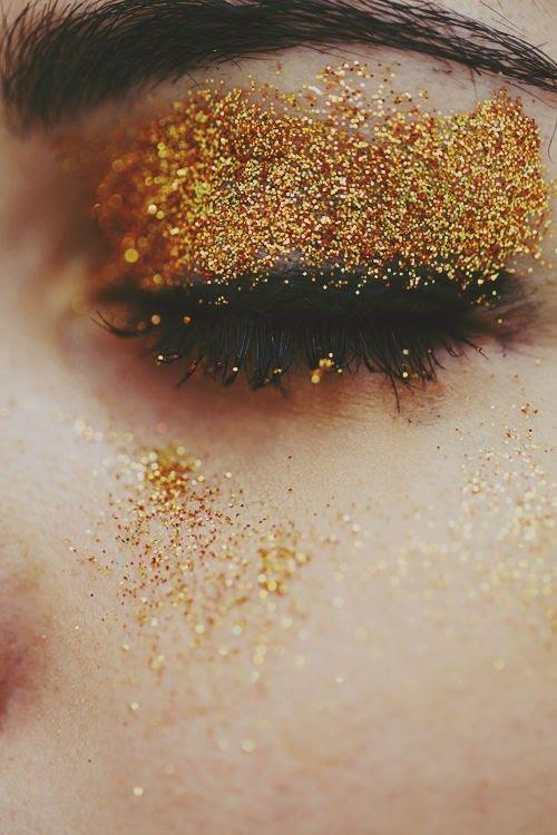 Go glam, go gold!