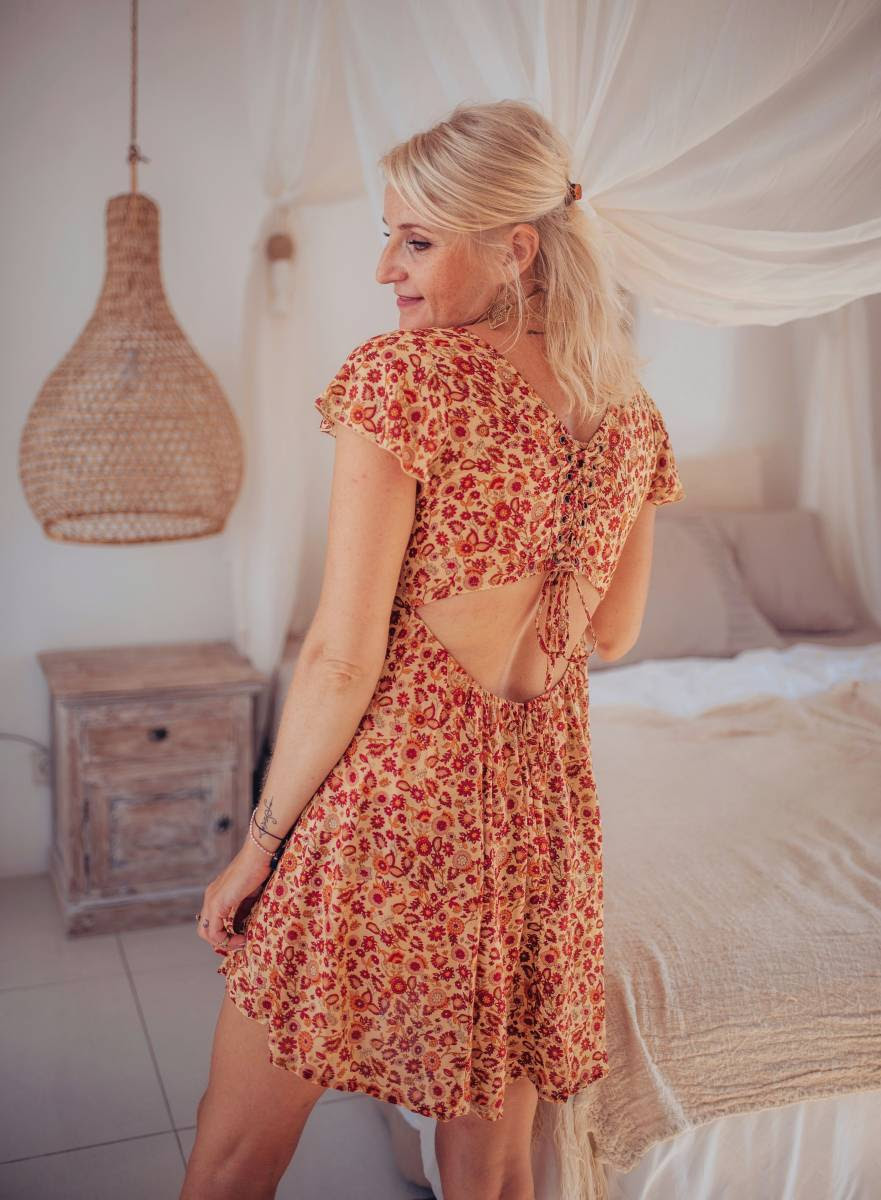 schöne cut out kleider im boho style für den sommer