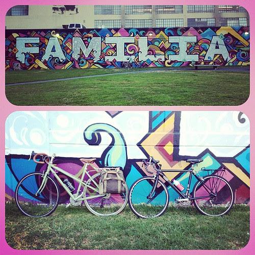 Bici familia. With @mikaela_carolyn