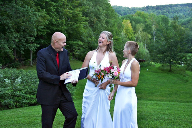 Vermont Green Mountain Lgbt Weddings West Hill House Bed