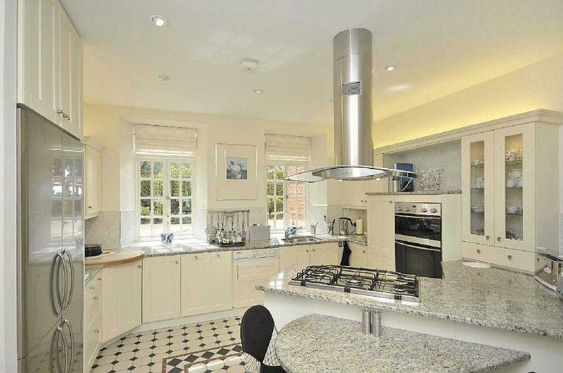 White Odd Shape Kitchen Design Ideas, Photos & Inspiration ...