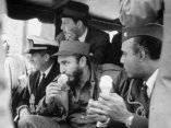24 de abril. Fidel toma un helado en Zoologico del Bronx. Foto: Revolución.