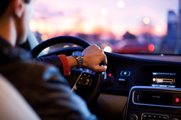 How to Stay Safe When Driving in an Unfamiliar City on Vacation