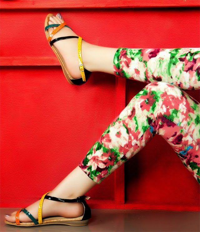 Girls-Womens-Beautiful-Casual-Eid-Flat-Footwear-Collection-2013-by-Metro-Shoes-7