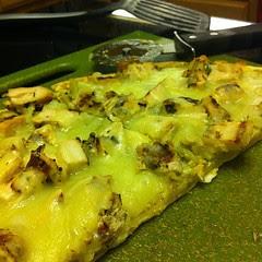 #Hatch Pesto Chicken Pizza #wfd