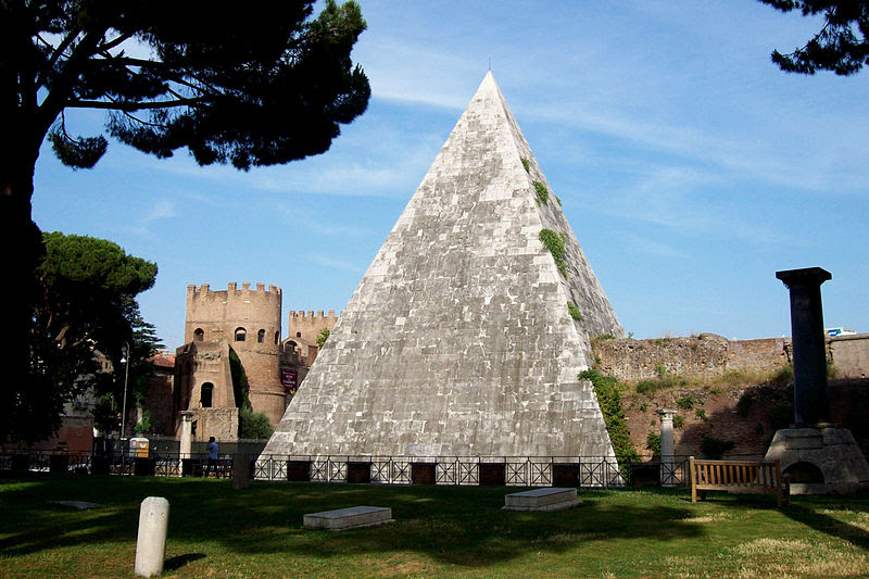 File:2012-07-04 Roma Piramide Cestia vista dal cimitero.jpg