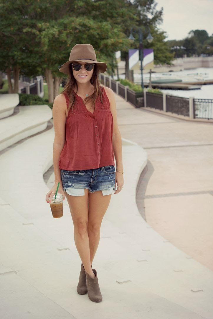 American Eagle Summer to Fall Outfit