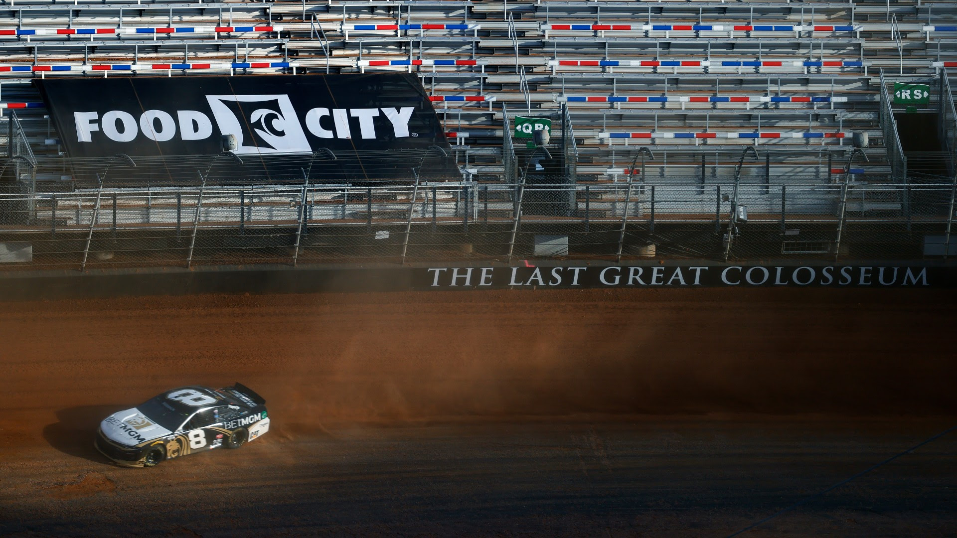 NASCAR at Bristol results: Joey Logano wins chaotic Food City Dirt Race
