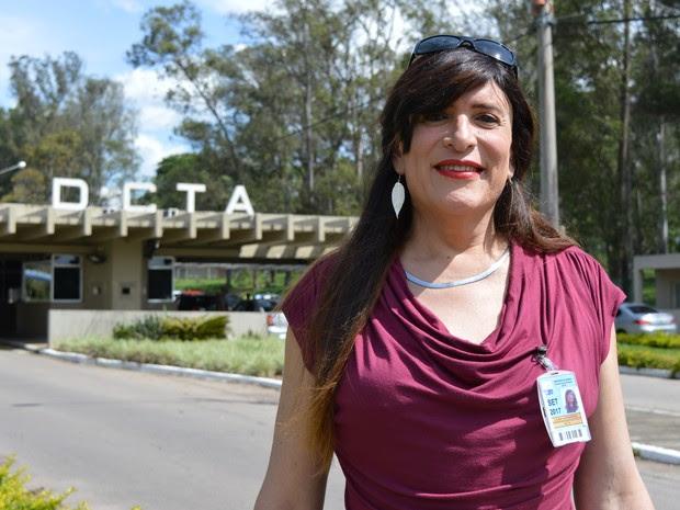 Lilian Alessandra rompeu a barreira do preconceito e assumiu a nova sexualidade diante dos colegas de trabalho (Foto: Camilla Motta/G1)