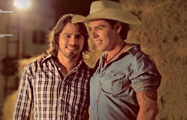 Max e Mariano após tirar clipe sobre vingança pornô do ar, se defende em Goiânia, Goiás: 'Não é crime' (Foto: Divulgação)