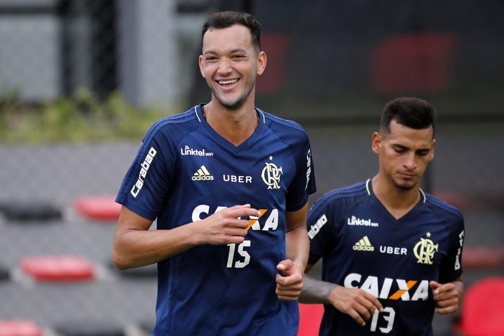 Contrato de Réver deve ser renovado em breve  (Foto: Gilvan de Souza/Flamengo)