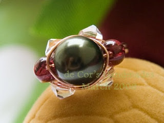 wire wrapped sparkly crystal ring by Corra