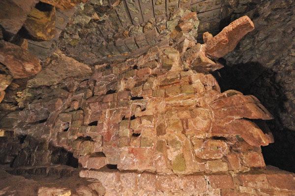 Archaeology Magazine, photograph by Ken Garrett