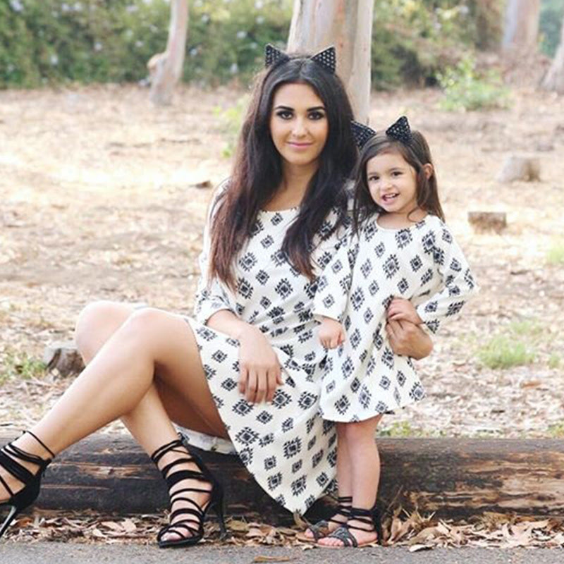 Sweet Geo Pattern Long-sleeve Mom and Me Dress