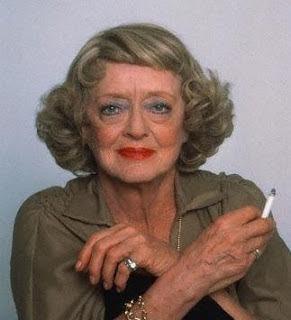 Bette avec cigarette