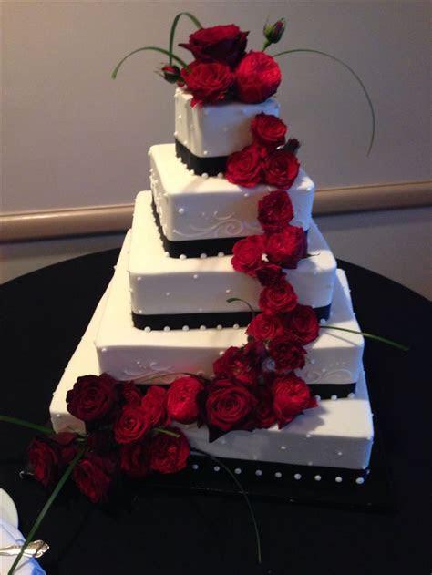 Black!white wedding cake with red roses   WEDDING CAKES