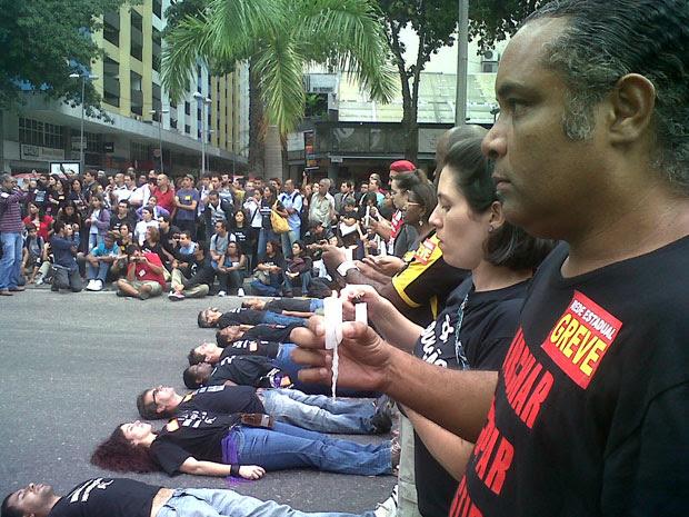 Protesto professores (Foto: Carolina Lauriano/G1)
