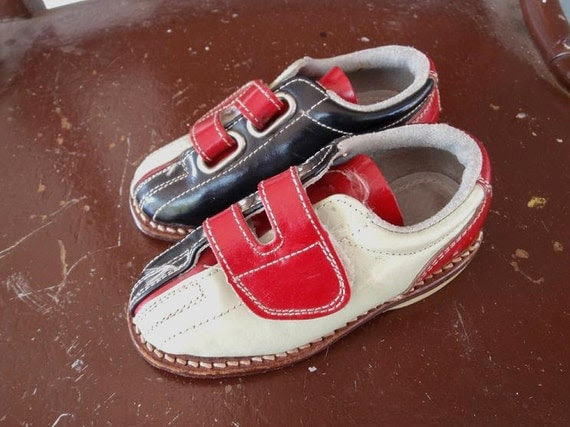 Adorable Vintage Toddler Bowling Shoes (Vintage Size 6)