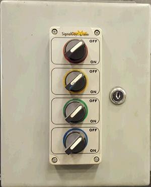 AKCP SP2 untuk monitoring tombol industrial