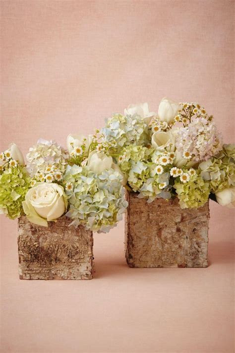 20 Rustic Wedding Centerpieces with Bark Container   Deer