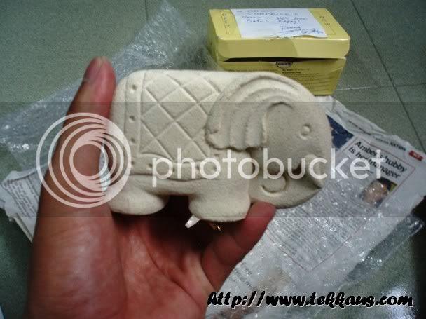 White Bali Elephant Sandstone Cardholder