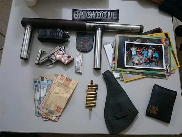 Grupo de jovens troca tiros com polícia em Natal (Foto: Divulgação/BPChoque)