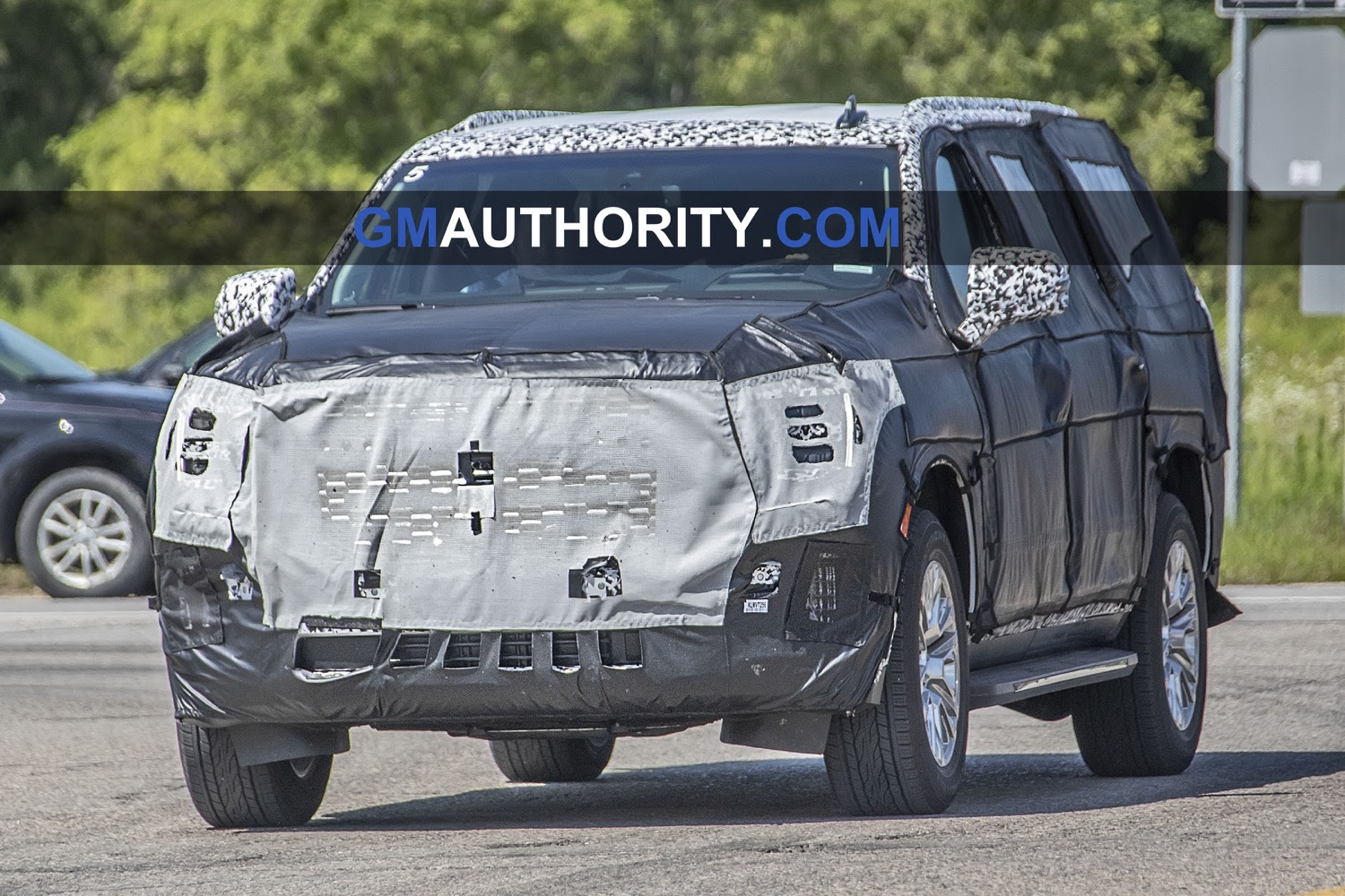 2021 gmc yukon to feature new cshaped tail lamps  gm