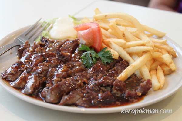 Black Pepper Steak with Fries
