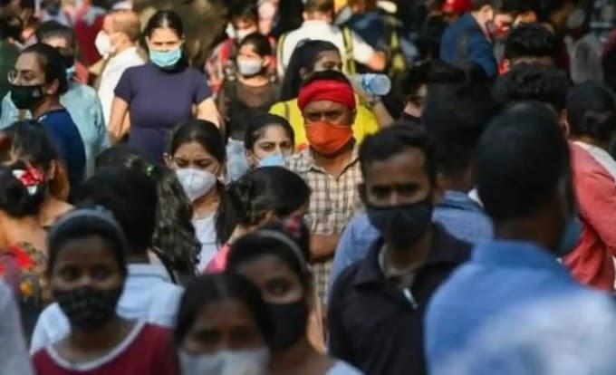 HARTOS DEL CONFINAMIENTO, EN LA INDIA ACUDEN EN TROPEL A CENTROS COMERCIALES Y MERCADOS