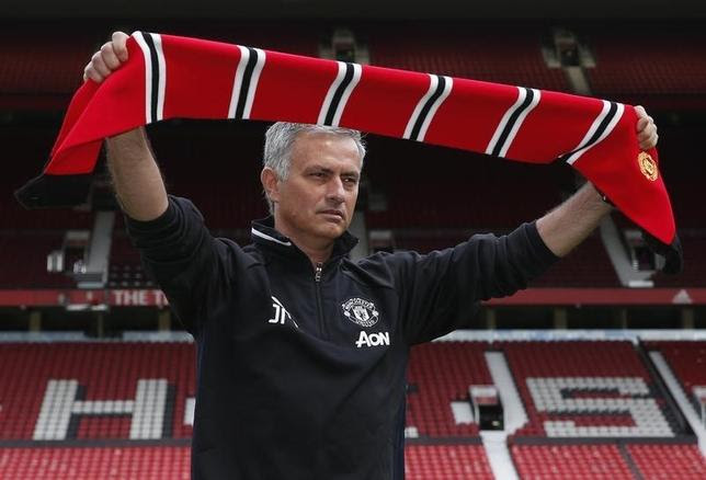 Britain Football Soccer - Manchester United - Jose Mourinho Press Conference - Old Trafford - 5/7/16New Manchester United manager Jose Mourinho poses ahead of the press conferenceREUTERS/Andrew YatesLivepic