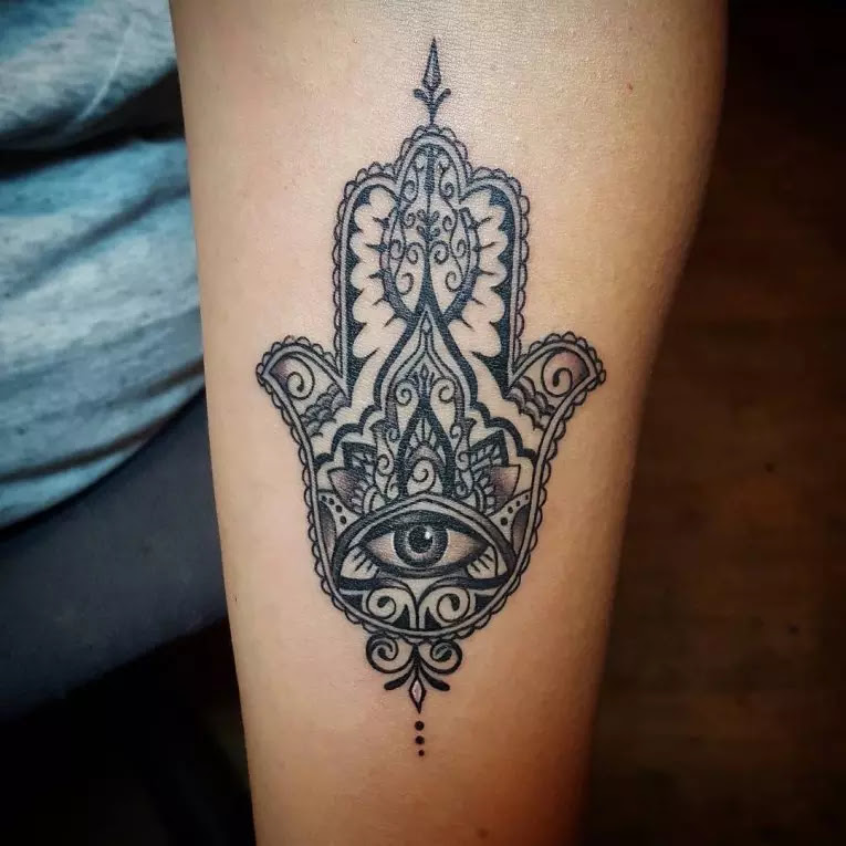 80 Best Hamsa Tattoo Designs Meanings Symbol Of Protection2019