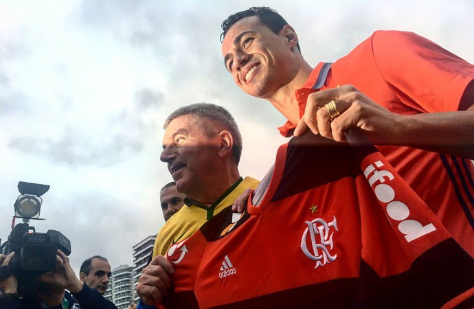 Leandro Damião camisa Flamengo THomas Bach (Foto: Reprodução/Twitter)