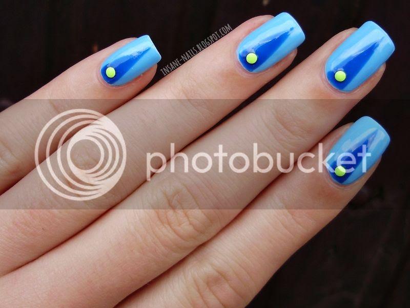 photo blue-colorblock-nails-4_zps5eb2626b.jpg