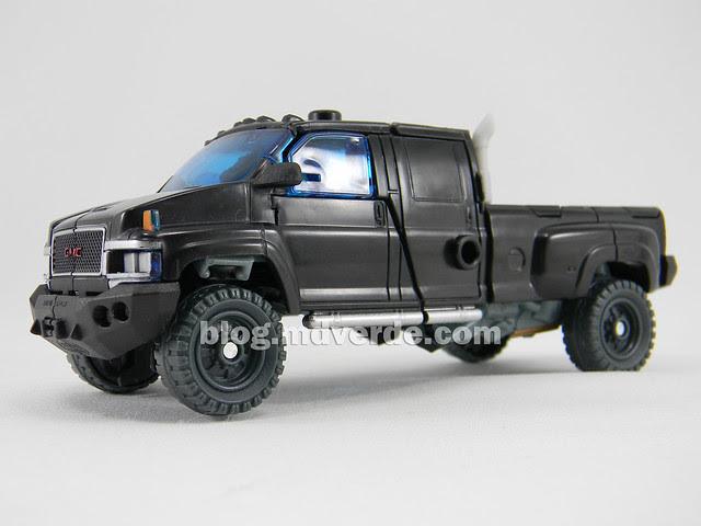 Transformers Ironhide DotM Voyager - modo alterno