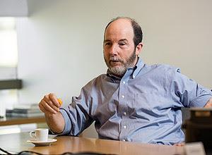 Armínio Fraga em seu escritório no Rio – Ricardo Borges/Folhapress