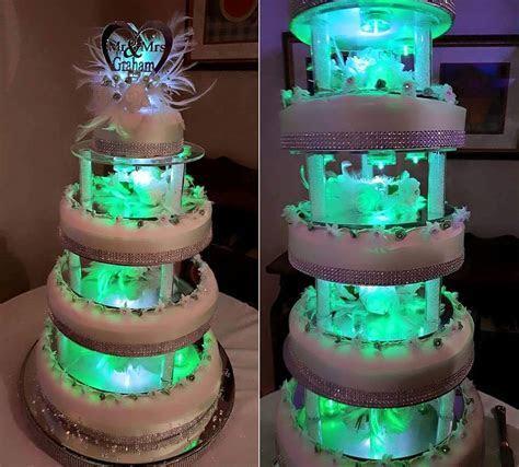 17 year old Joshua Nunnley bakes a seven tier wedding cake
