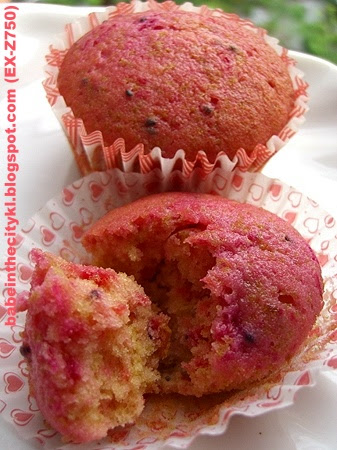 red dragonfruit teacake02
