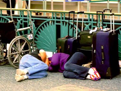 Dormindo no aeroporto