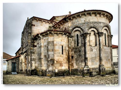 Ábside e absidíolo da igreja de S. Pedro de Rates #2 by VRfoto