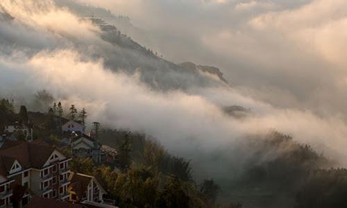 Ngắm nhìn Sapa huyền ảo ngập tràn trong sương sớm