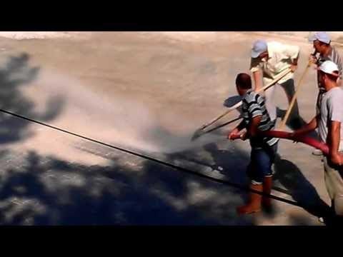 Bozkır Belediyesi Ekipleri Parke Taşı Döşenen Yolları yıkıyor