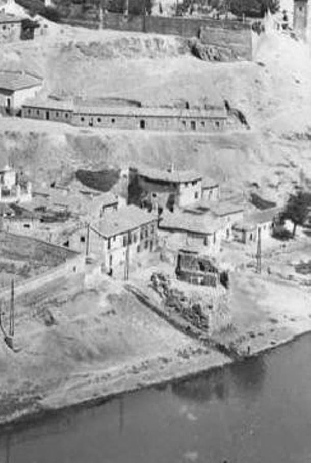 Torre del Hierro de Toledo en ruinas a mediados del siglo XX