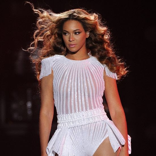 Beyonce 2013 photo o-BEYONCE-MRS-CARTER-TOUR-900.jpg