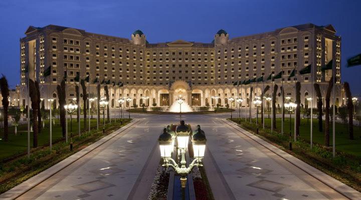 """Résultat de recherche d'images pour """"Ritz Carlton à Riyad."""""""