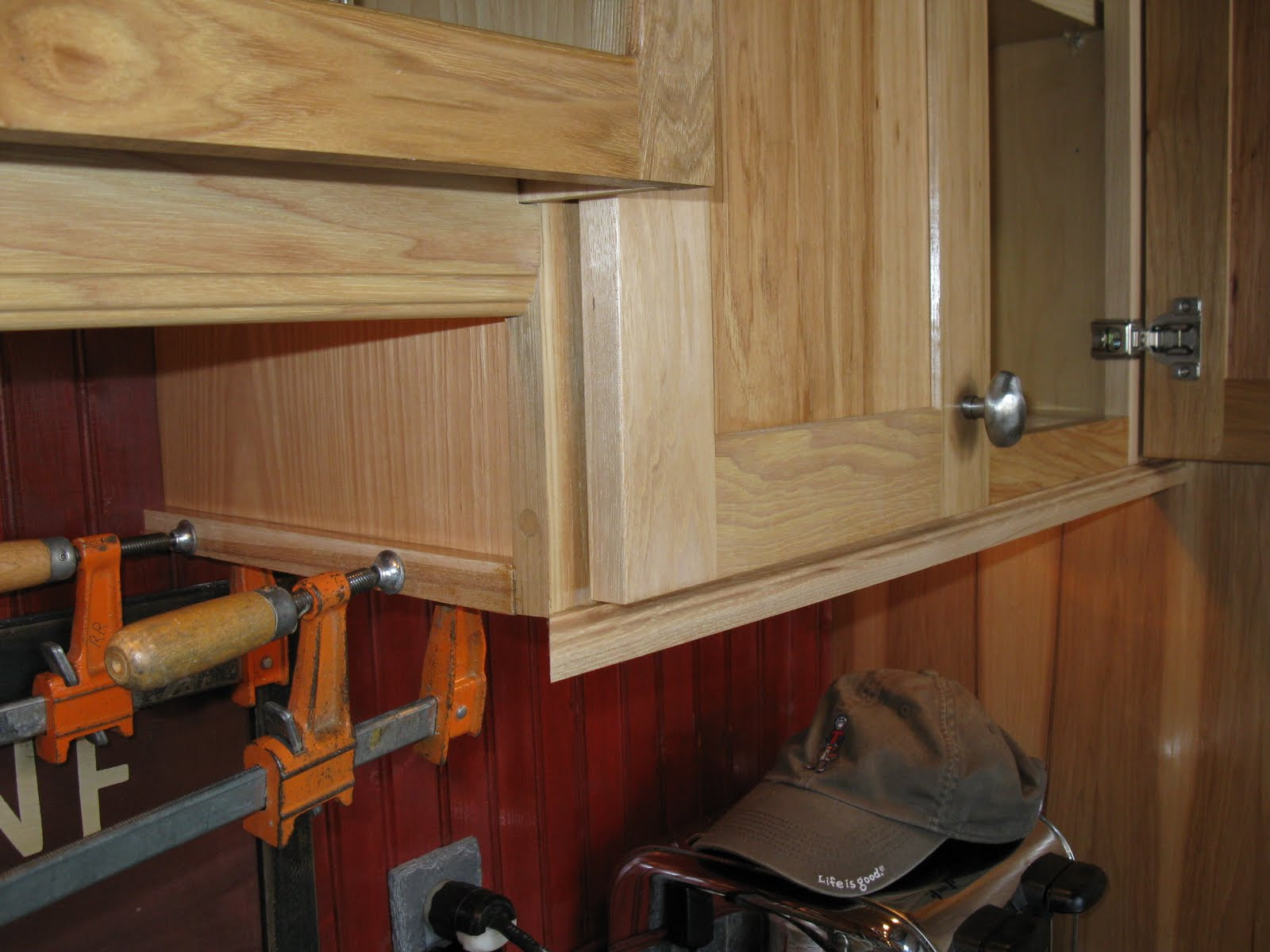Installing Molding For Under Cabinet Lighting - A Concord ...