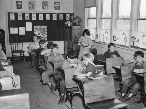 1937-wisconsin-tipler-schoolroom.jpg