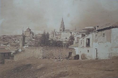 Torre de San Lorenzo desde San Lucas. Fotografía de principios del siglo XX por Pedro Román Martínez