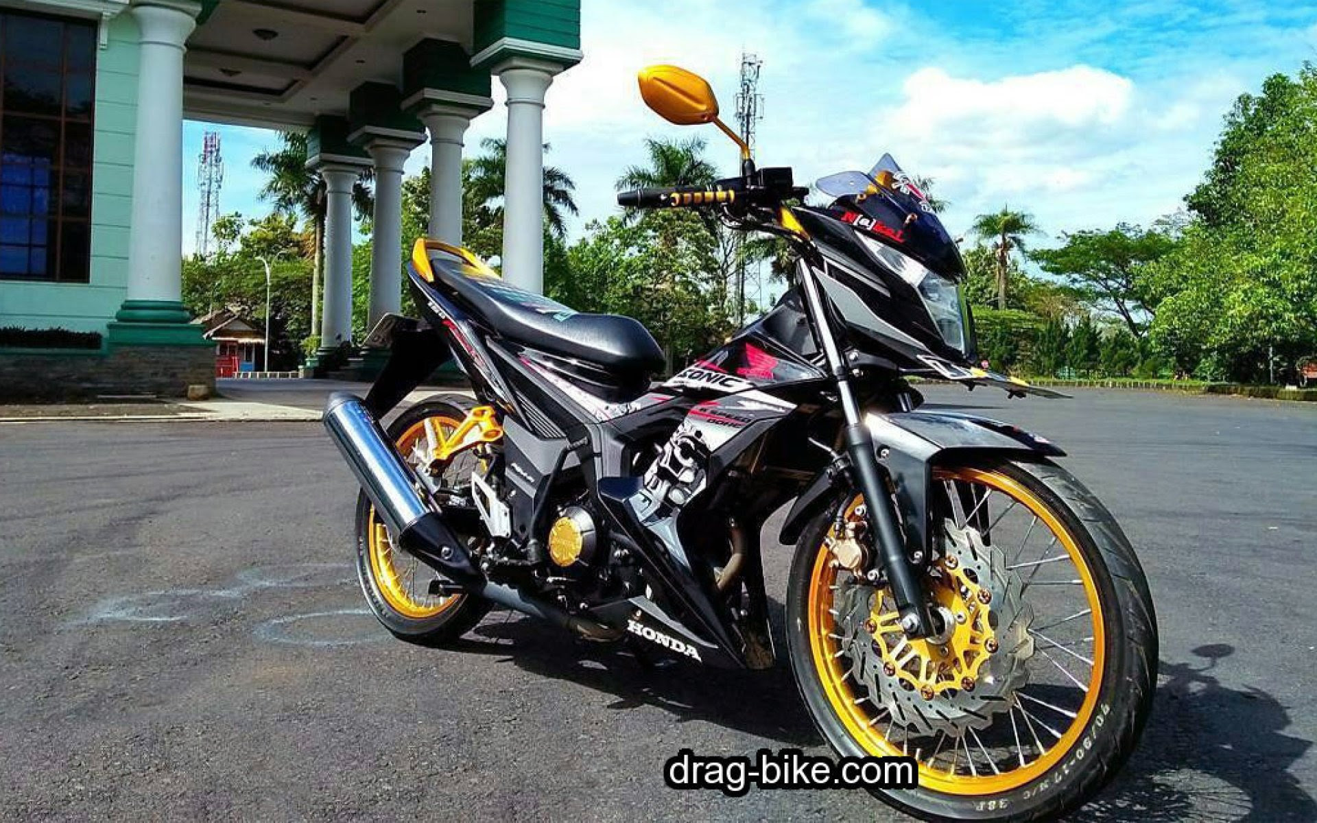 98 Foto Modifikasi Motor Sonic TeaModifikasi