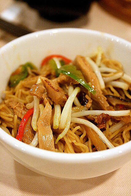 Shredded Duck Meat with Egg Noodles