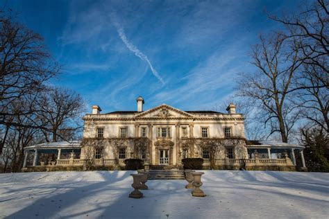 A Beautiful Winter Wedding at the Liriodendron Mansion